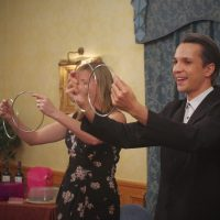 Norwich, Norfolk and Suffolk magician performing party magic and events - Linking Rings By David Fung